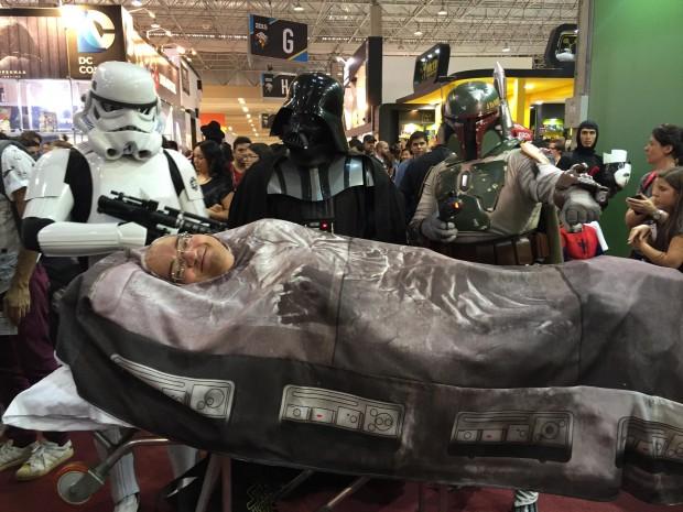 Boba Fet, Darth Vader, um Stormtrooper e de Han Solo congelado na carbonite